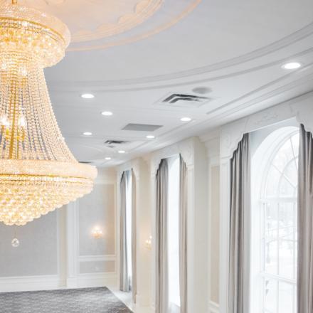Lord Nelson Hotel & Suites Schwarovski Chandelier