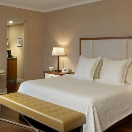 Lord Nelson Hotel & Suites Grand Executive Guest Room