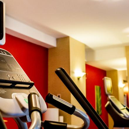 Lord Nelson Hotel & Suites Fitness Centre