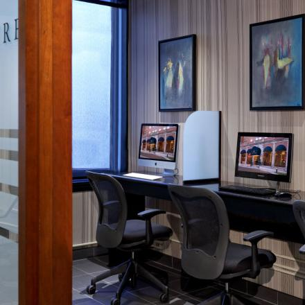 Lord Nelson Hotel & Suites Business Centre