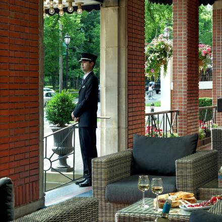 Lord Nelson Hotel & Suites Doorman
